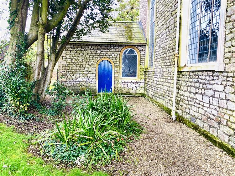 attractive versatile former church - 9