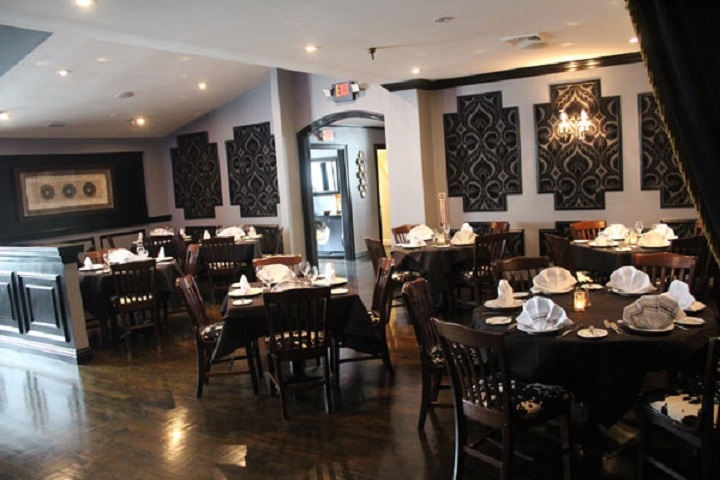 spacious restaurant prime location - 4