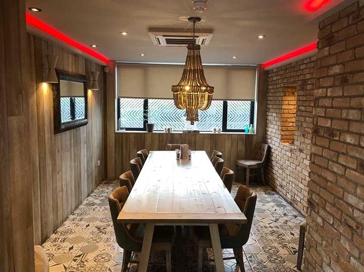 successful hotel bar restaurant - 10