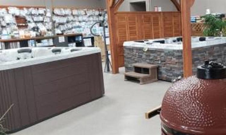 huge hot tub showroom - 5