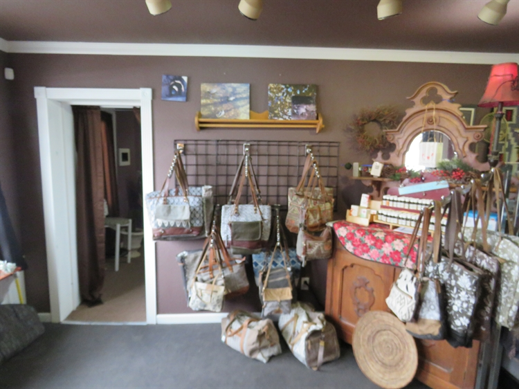 charming remodeled retail shop - 8