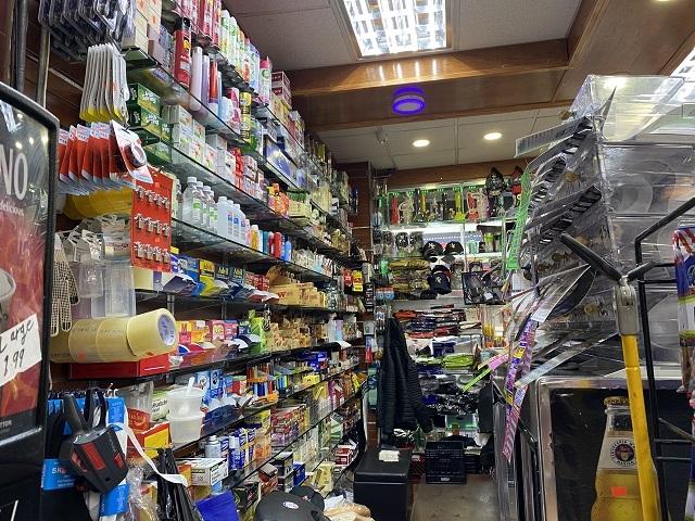 manhattan smoke shop grocery - 4