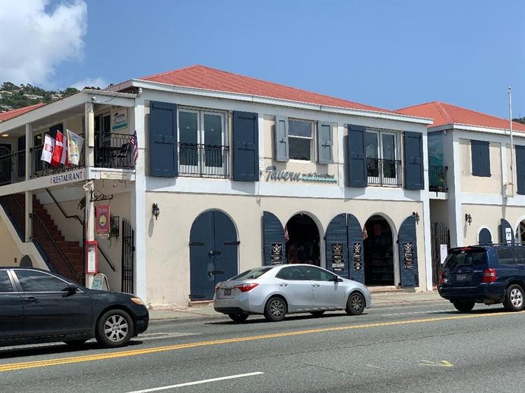 successful waterfront restaurant bar - 15