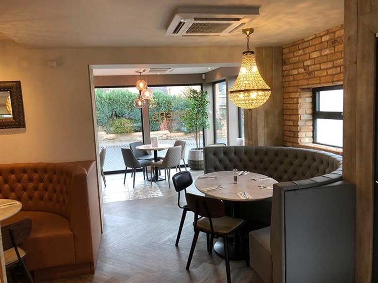 successful hotel bar restaurant - 13