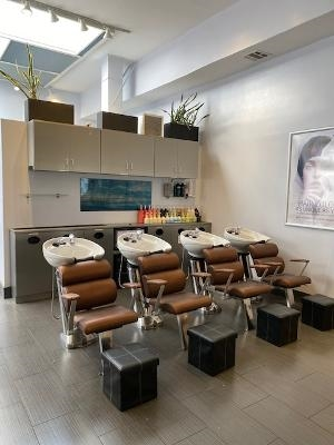 well running beauty salon - 6