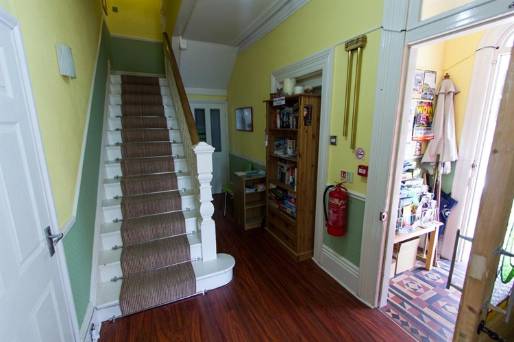 superb guest house torquay - 12