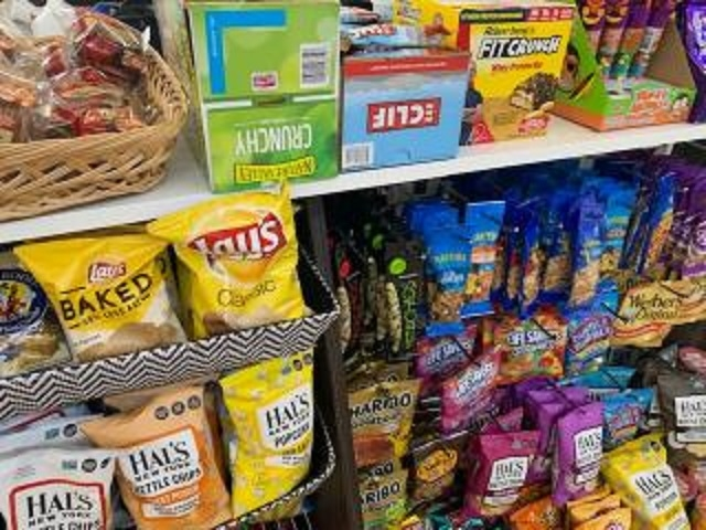 bustling convenience store suffolk - 4
