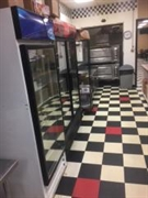 brand new pizza shop - 3