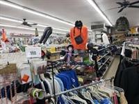 niche discount fashion store - 3