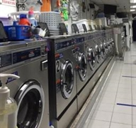 dry cleaning laundromat kings - 1