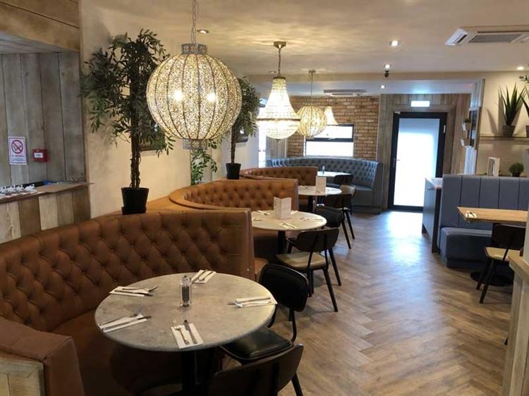successful hotel bar restaurant - 6