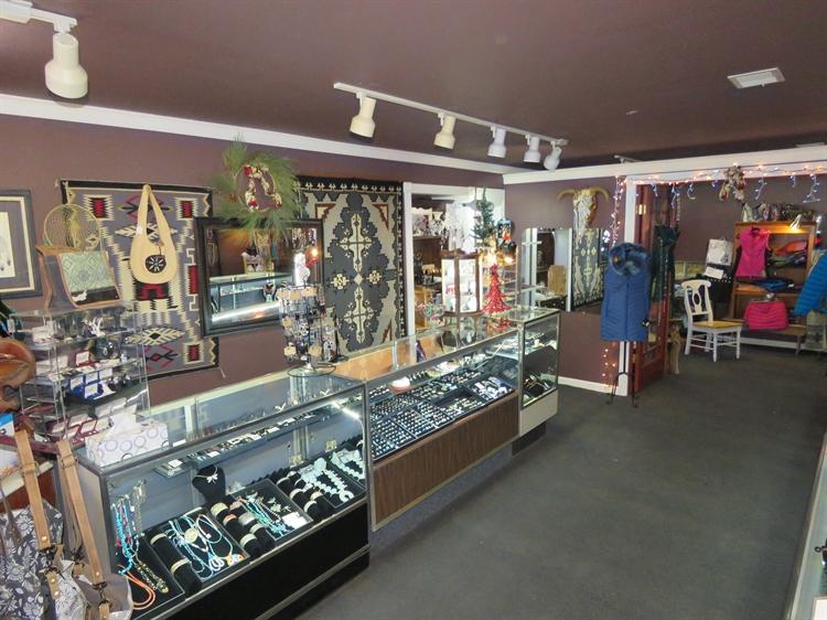 charming remodeled retail shop - 7