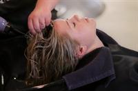 salon for hair nails - 1