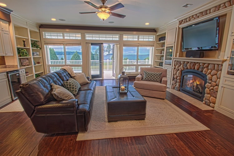 vacation rental waterfront estate - 12