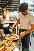 franchise pizza restaurant las - 1