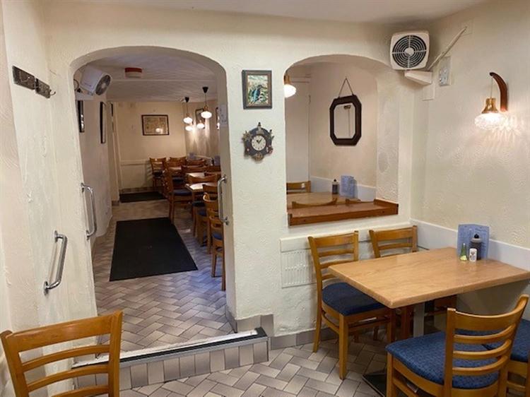 fish chip restaurant takeaway - 12
